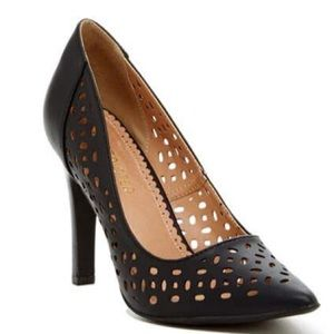 Women's black cut out pump.